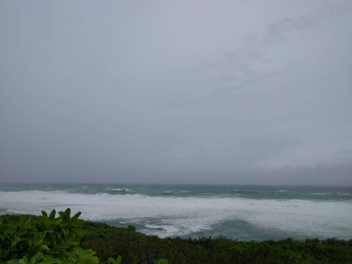 今日の沖縄は荒れています!
